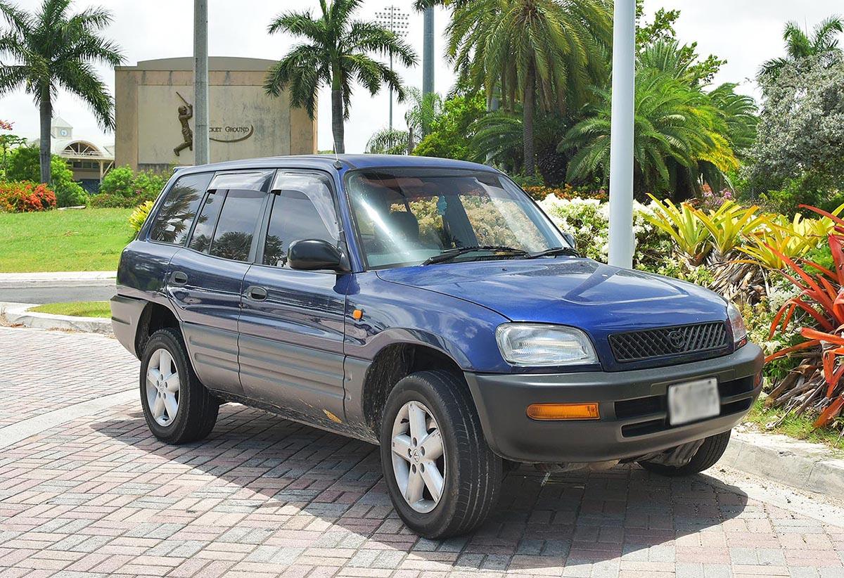 Explore Antigua with Car